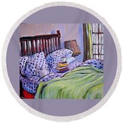Bed And Books Round Beach Towel