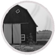 Big Tooth Barn Black And White Round Beach Towel