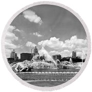 Buckingham Fountain In Chicago Round Beach Towel by Underwood Archives