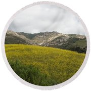 California Hillside View V Round Beach Towel
