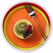 Cheesecake On Plate Round Beach Towel