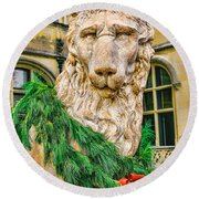 Christmas Lion At Biltmore Round Beach Towel