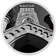 Church Facade In Black And White Round Beach Towel