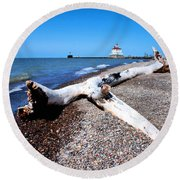 Driftwood At Erie Round Beach Towel