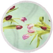 Eager For Spring Round Beach Towel
