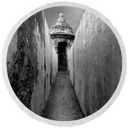 El Morro In Black And White Round Beach Towel