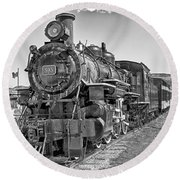 Round Beach Towel featuring the photograph Engine 593 by Eunice Gibb