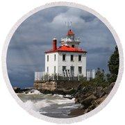 Fairport Harbor West Breakwater Lighthouse Round Beach Towel
