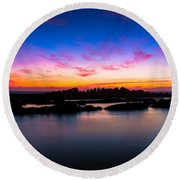 Figures To Sunset Round Beach Towel