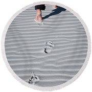 Footprint On White Sand Round Beach Towel