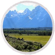 Grizzly Country With Soft Vignette Round Beach Towel