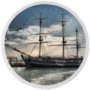Hms Bounty Newport Round Beach Towel