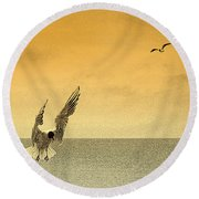 Round Beach Towel featuring the photograph Incoming by Linsey Williams