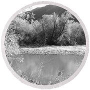 Lakeside Mountain View Round Beach Towel