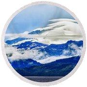 Lenticular And The Chugach Mountains Round Beach Towel