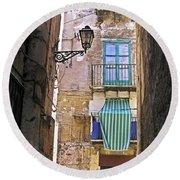 Little Street Of Palermo Round Beach Towel