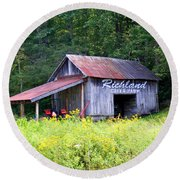 Old Barn Near Silversteen Road Round Beach Towel