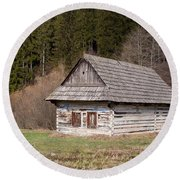 Round Beach Towel featuring the photograph Old Log House by Les Palenik