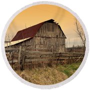 Round Beach Towel featuring the photograph Ozark Barn 1 by Marty Koch