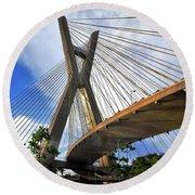 Ponte Estaiada Octavio Frias De Oliveira Ao Cair Da Tarde Round Beach Towel