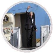 President George Bush Waves Good-bye Round Beach Towel