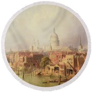 Queenhithe - St. Paul's In The Distance Round Beach Towel