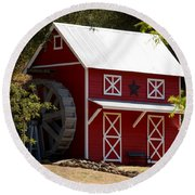 Red Star Barn Round Beach Towel