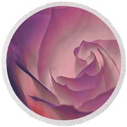 Rosy Daydreamer Round Beach Towel