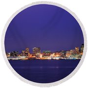 Seattle At Dusk Round Beach Towel