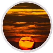 Setting Sun Flyby Round Beach Towel