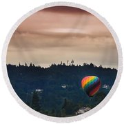 Snohomish Baloon Ride Round Beach Towel