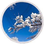 Snowy Trees And Blue Sky Round Beach Towel