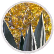 Spikes And Leaves Round Beach Towel