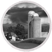 Sunset On The Farm Bw Round Beach Towel