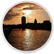 Sunset On The Liffey River Round Beach Towel