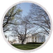 The White House And Lawns Round Beach Towel