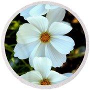 Three White Flowers Round Beach Towel