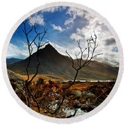 Tryfan And Tree Round Beach Towel