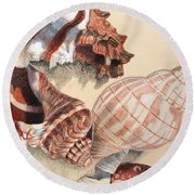 Vertical Conch Shells Round Beach Towel
