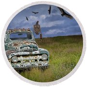 Vultures And The Abandoned Truck Round Beach Towel