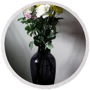 White Roses With Mixed Flowers Round Beach Towel
