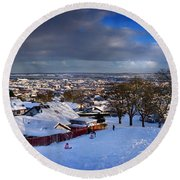 Winter In Inverness Round Beach Towel
