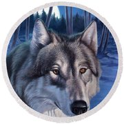 Wolf In Moonlight Round Beach Towel