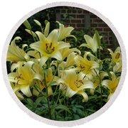 Yellow Oriental Stargazer Lilies Round Beach Towel