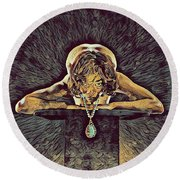 0756s-zac Nude Woman With Amulet On Tall Pedestal  Round Beach Towel