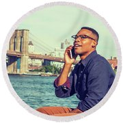 African American Man Traveling In New York Round Beach Towel