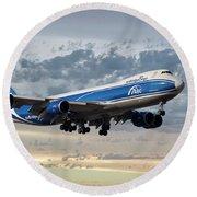 Air Bridge Cargo Airlines Boeing 747-8hv Round Beach Towel
