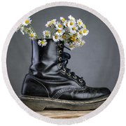 Boots With Daisy Flowers Round Beach Towel