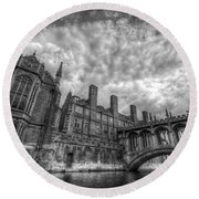 Bridge Of Sighs - Cambridge Round Beach Towel by Yhun Suarez