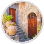 Courtyard Of Tuscany Round Beach Towel